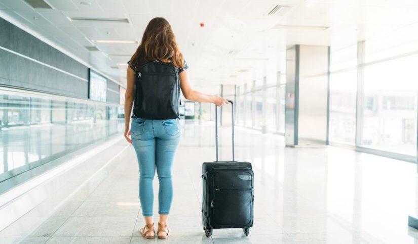 Viaje de hijos sin padres