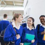 Estudiantes en escuela