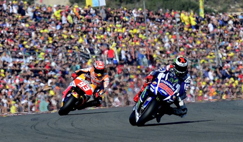motos corriendo carrera moto GP
