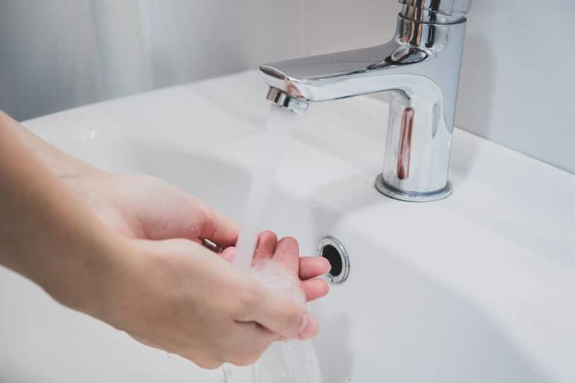 Prevenir resfriados lavándose las manos