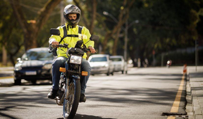 ventajas de desplazarse en moto