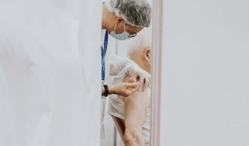 COVID-19 y vacunación: ¿seguirá habiendo medidas preventivas?